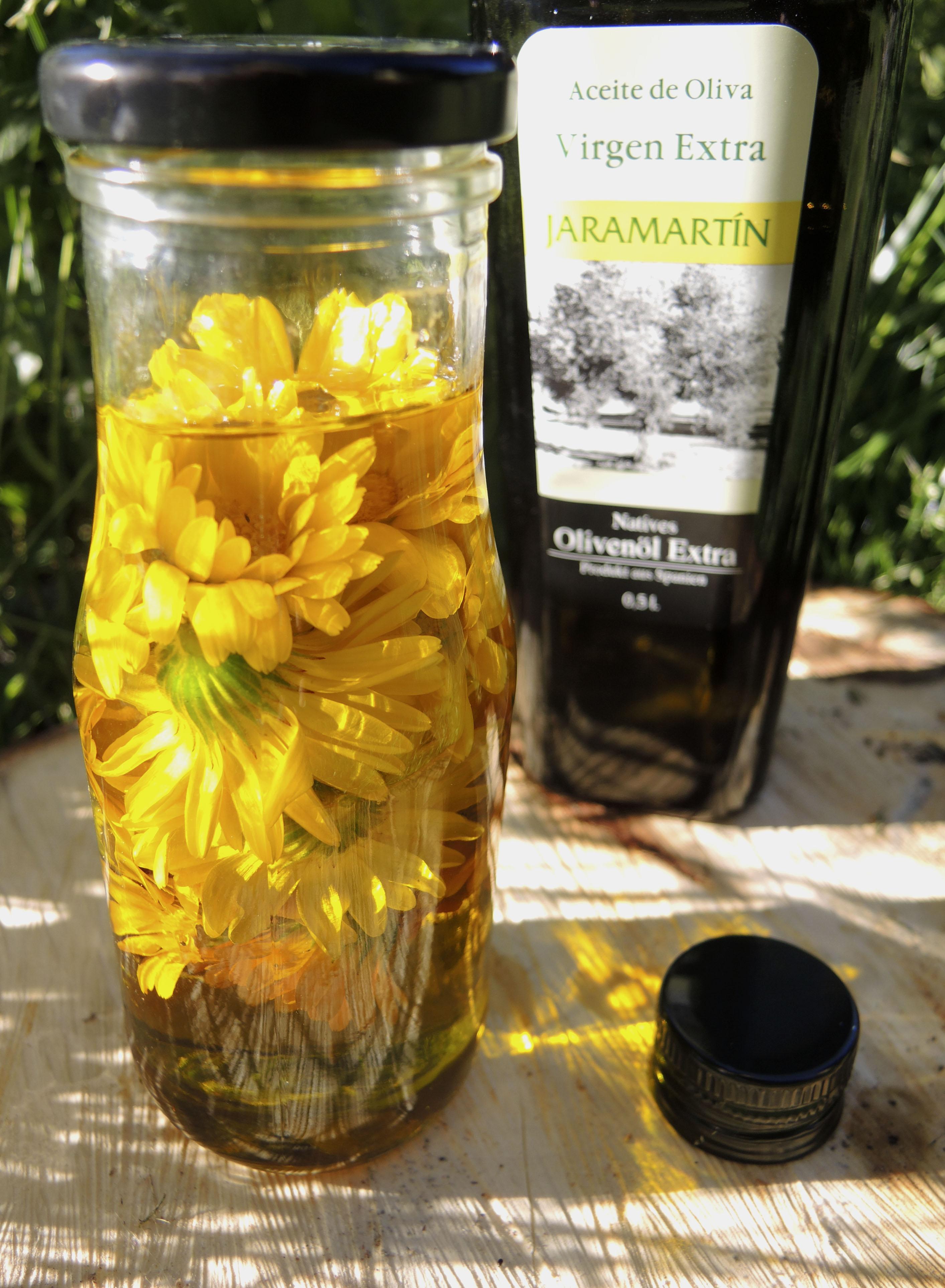 fertiges Ringelblumenöl